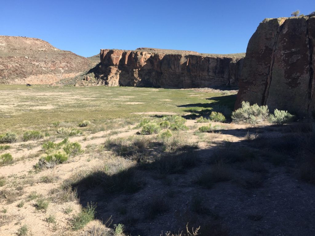 Nevada, Lincoln County, Pahranagat Valley, White River Narrows, Great Basin, Petroglyphs, Rock Art, Amphitheater, Xterra