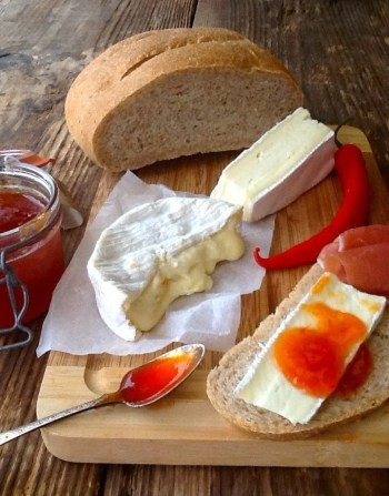Plenty of chillies? Make this delicious Sweet Chilli Jam. Perfect with cheese & homemade bread & makes a great edible gift!