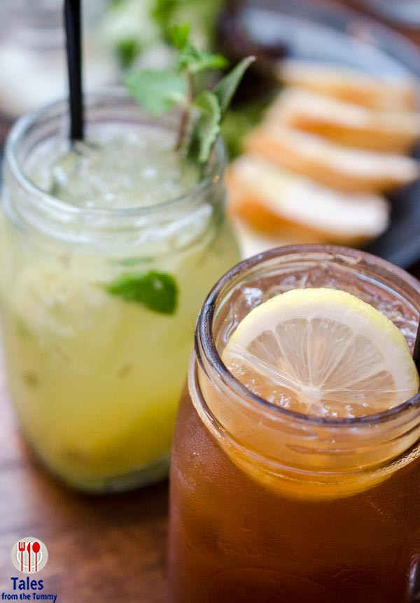 Poulet Manille SM Aura Pineapple Mint Cooler Berry Iced Tea