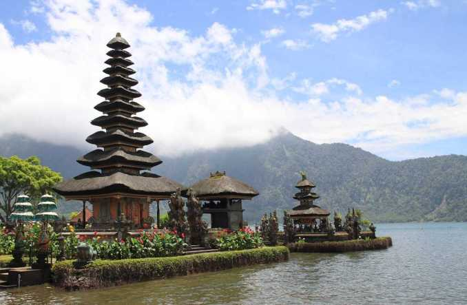 Reason to visit Bali visiting Tempels