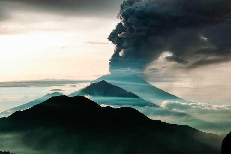 Mount Agung erupting is bali safe