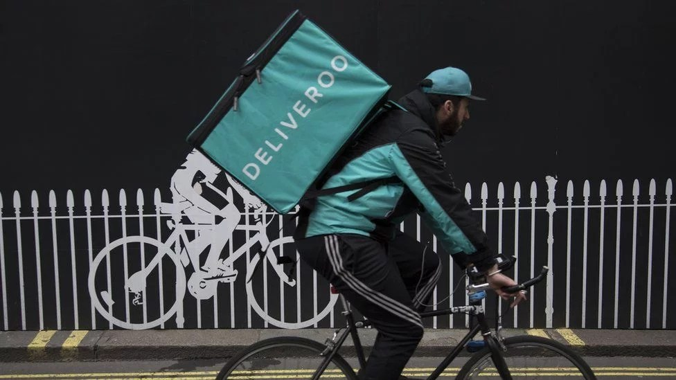 What employment rights do Uber drivers and Deliveroo riders have in the UK?