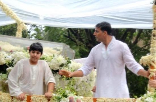 Image result for rajesh khanna funeral