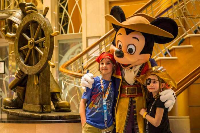 Disney-cruise-Mickey-Pirate