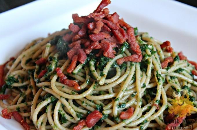 Spaghetti met spinazie en spek