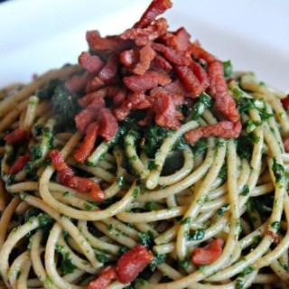 Spaghetti met spinazie en spekjes