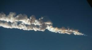 Chelyabinsk meteor trace, February 15, 2013. Photo © Nikita Plekhanov CC attrbution/share-alike retrieved from Wikimedia Commons