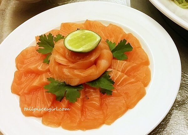Delectable thick salmon for Yee Sang