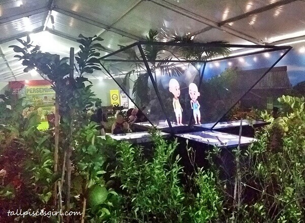 Hologram technology was used to display Upin and Ipin