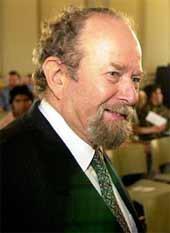 Rabbiner Dr. Henry Brandt wurde in diesem Jahr (2006) mit dem Muhammad-Nafi-Tschelebi-Preis geehrt.