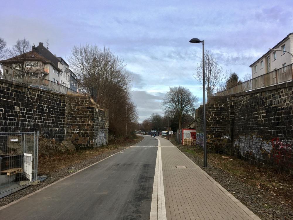 Nordbahntrasse: Fussgängerbrücke Heubruch abgerissen