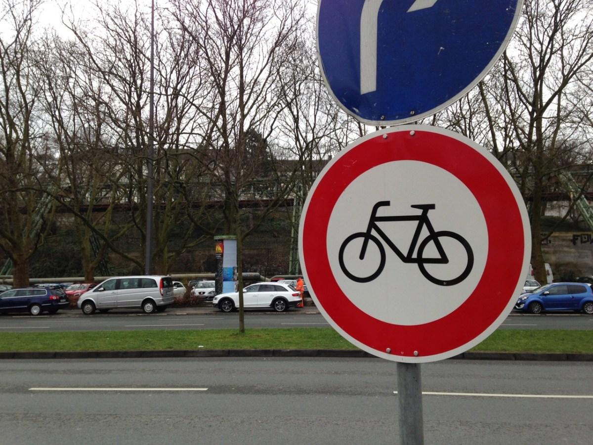 Bundesallee: Verwaltung schlägt Freigabe der Busspur vor