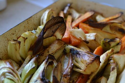 קדירת ירקות בזיגוג תפוזים וסילאן