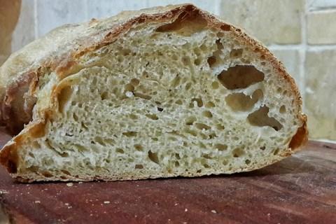 למדני את השיר הפשוט של הלחם