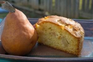 עוגת אגסים ומרציפן