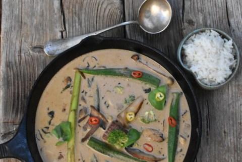 תבשיל של סינטה בחלב קוקוס וירקות