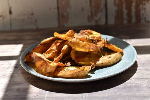 קליפות תפוחי אדמה צלויות