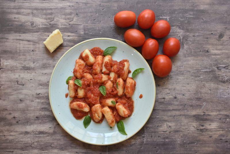 ניוקי ברוטב עגבניות