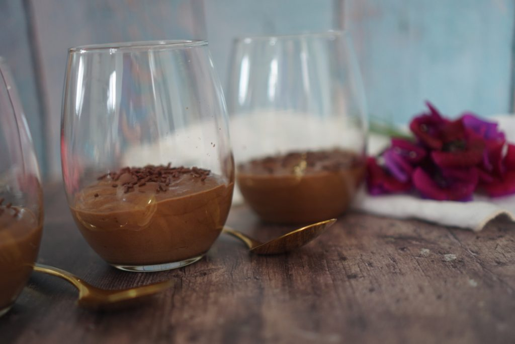 מוס שוקולד קלאסי עם אספרסו