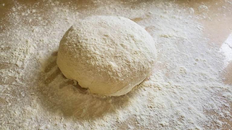 הכנת בצק של פסטל דה נאטה