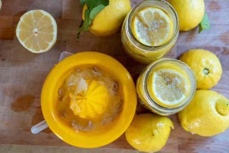 מוסיפים מיץ לימון