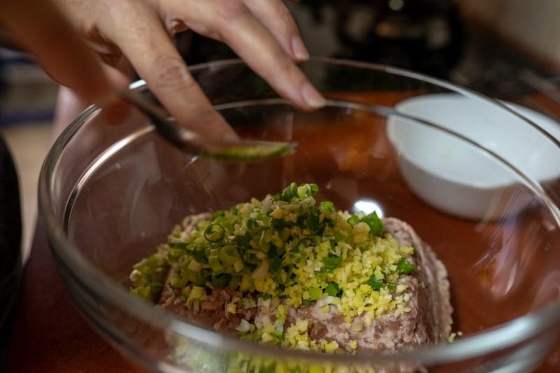 הכנת מילוי הבשר