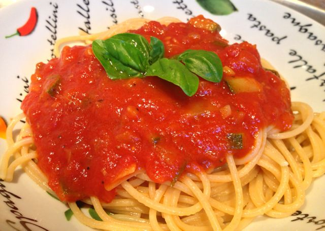 Spaghettis sauce tomates courgettes