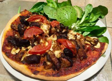 Pizza aux shitakés et tempeh marinés