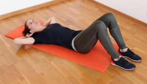 hamstring-crunches