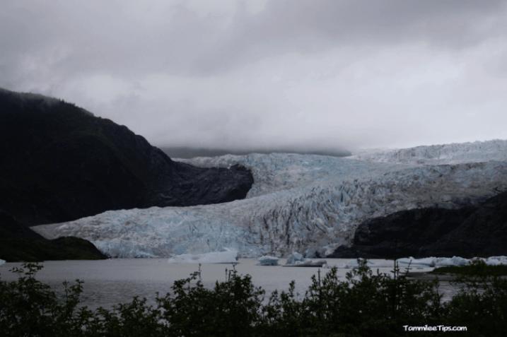 Golden-Princess-Juneau-Mendenhall-Glacier-overview-2.png