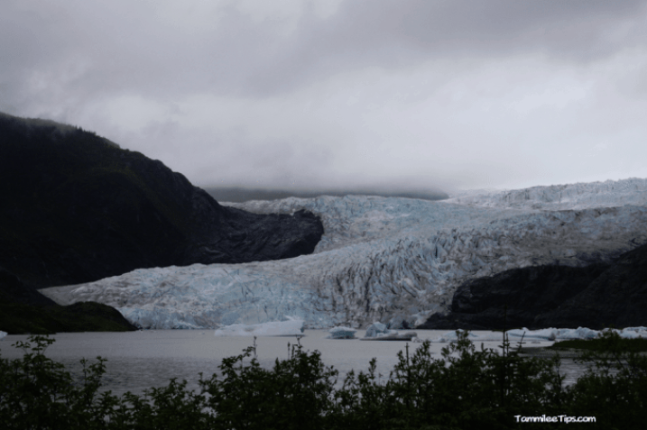 Golden-Princess-Juneau-Mendenhall-Glacier-overview-2.png