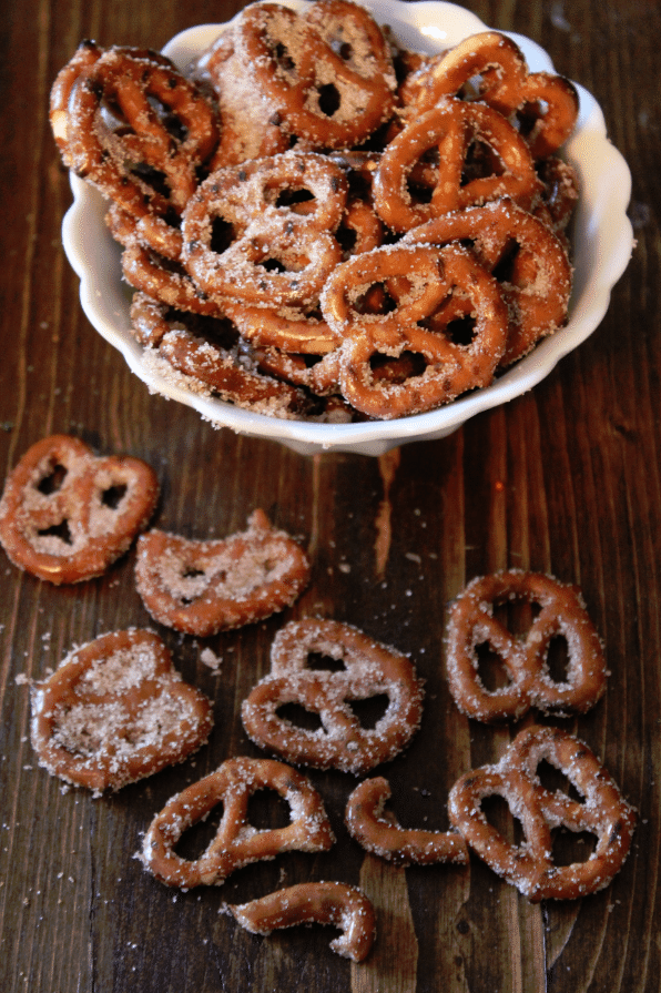Cinnamon Sugar Pretzels Recipe |  Tammilee Tips
