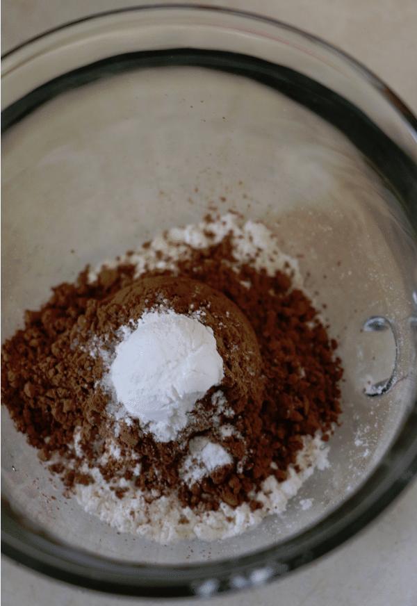 Check out our recipe to make a nutella mug cake!