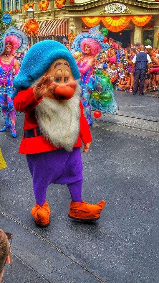 7 dwarfs Walt Disney World Parade