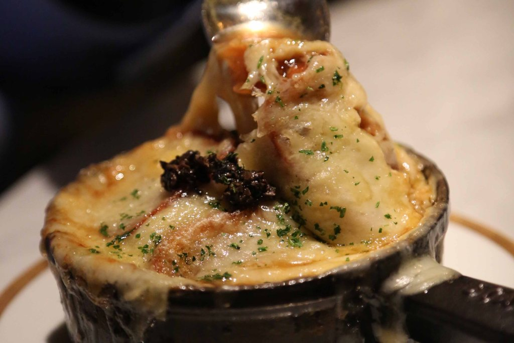 Blog French Onion Soup at Bardot Las Vegas_edited-1