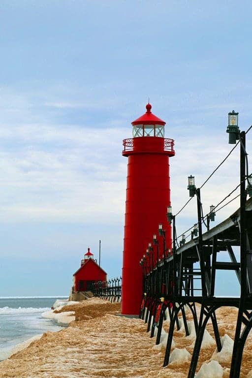 Historic-Grand-Haven-Lighthouse-and-South-Pier-Lake-Michigan.jpg