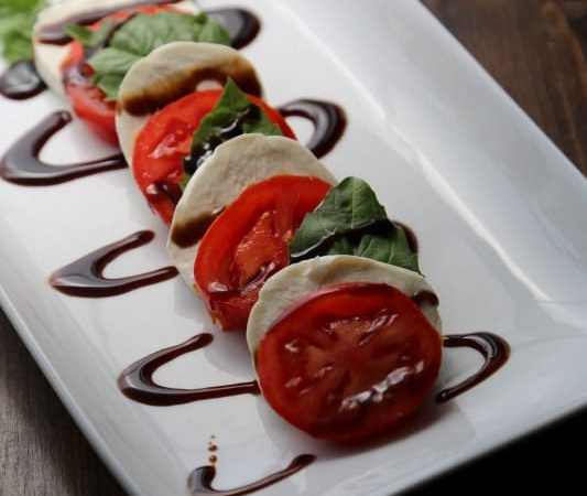 Seriously easy and oh so delicious Caprese Salad