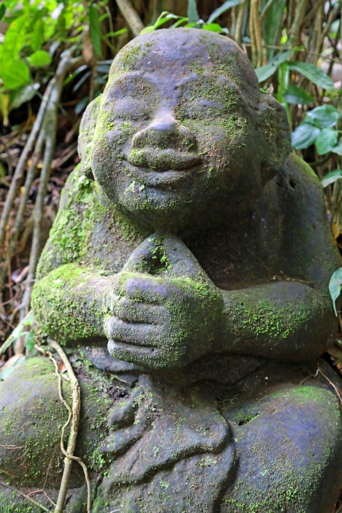 statue ar Ubud Monkey Forest