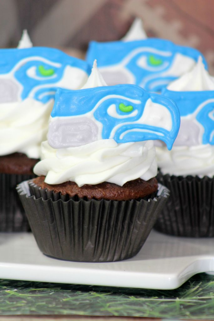 Seattle Seahawks Cupcakes