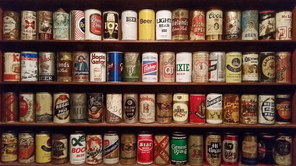 Beer-cans-at-Alabi-Brewhouse-Lake-Tahoe.jpg