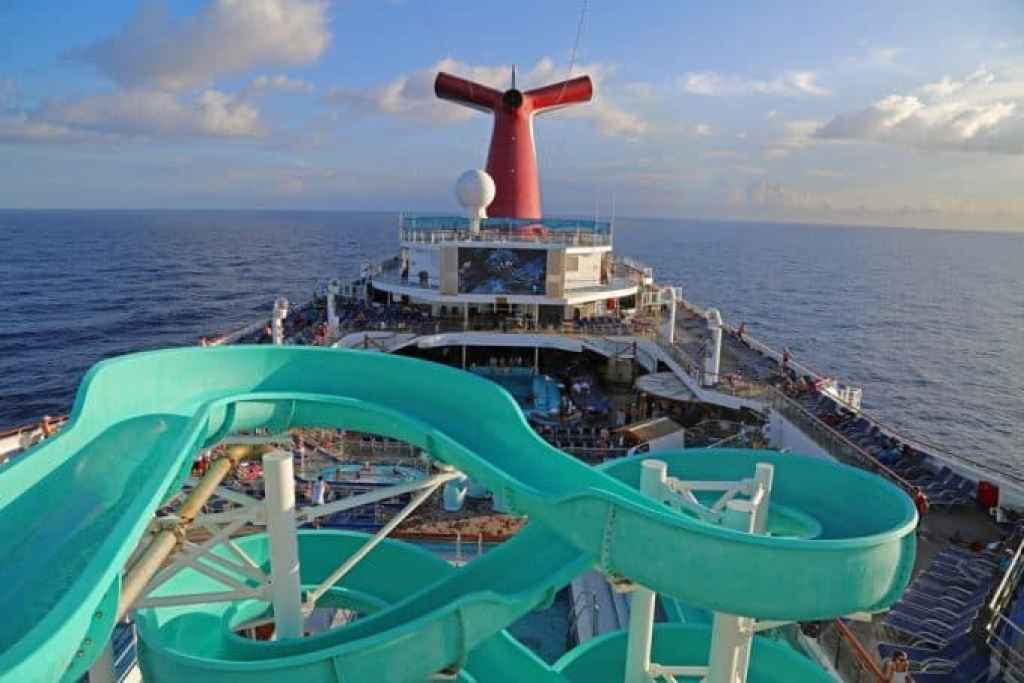 Waterslide-on-Carnival-Conquest.jpg