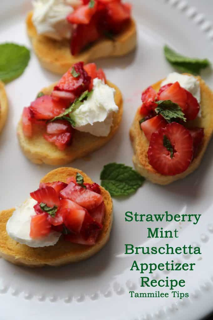 Strawberry Mint Bruschetta Appetizer Recipe! This strawberry recipe is so easy to make and tastes amazing! The perfect quick and easy appetizer recipe.