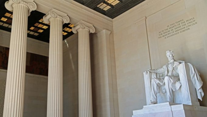 Photos of the Lincoln Memorial in Washington DC