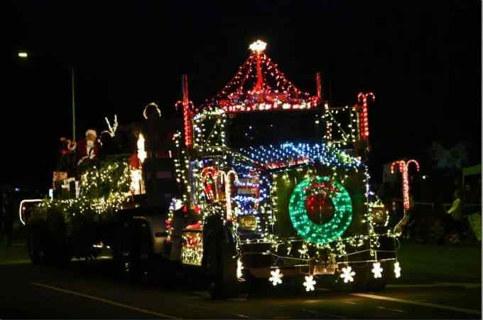 16 Photos why the Waimea Hawaii Christmas Parade is the best of the best!