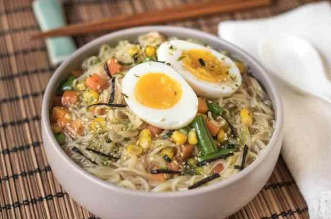 Easy homemade Ramen Bowl Recipe! Make with chicken stock, vegetarian or vegan depending on which stock you use. Add in an egg or other vegetables for fun! This is a quick, simple recipe the family with love!