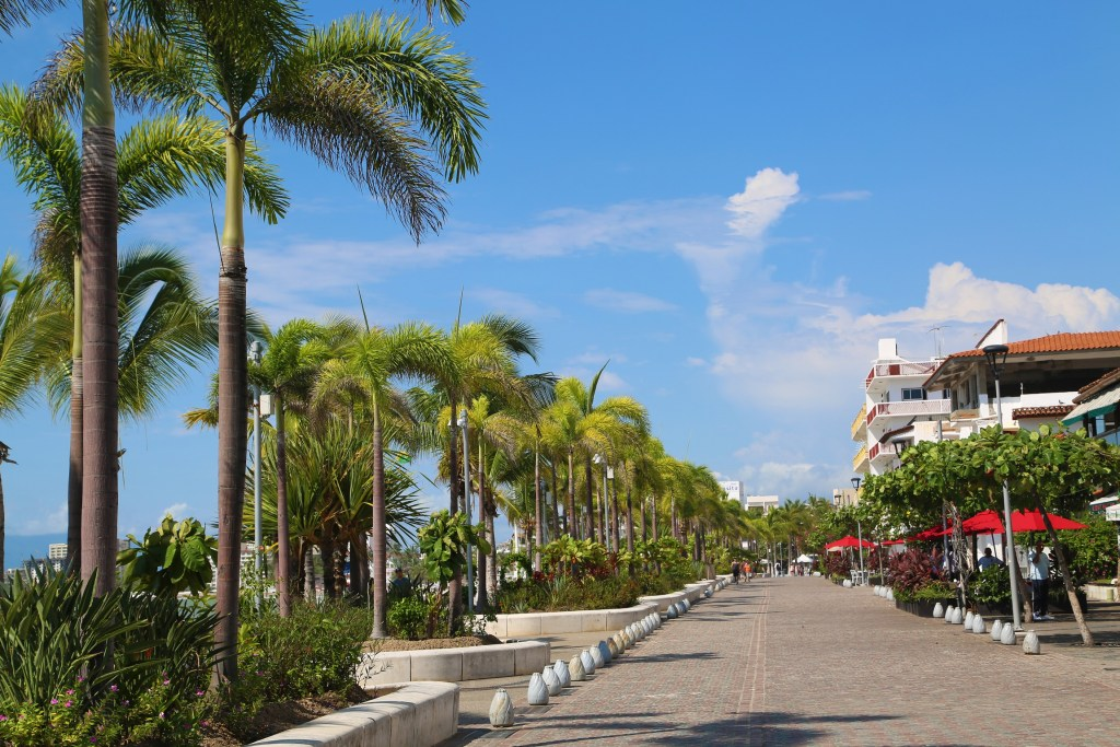 walking-the-malecon-puerto-vallarta-mexico