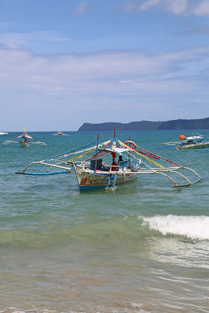 boats-on-the-water-in-philipines