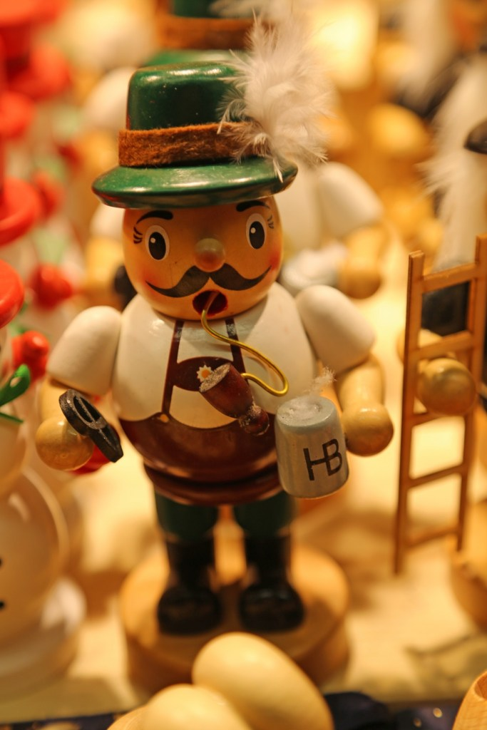 german-with-beer-and-pretzel-christmas-ornament-salzburg-austria