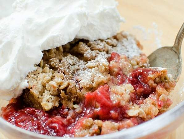 Slow Cooker Crock Pot Strawberry Crisp Recipe