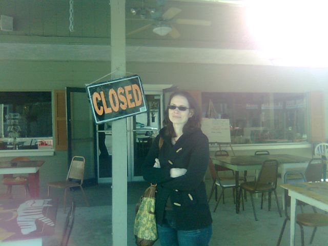 v-always-closed